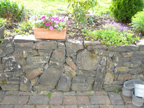 Garten und landschaftsbau mattias frings naturstein gartengestaltung pflanzung pflege - Naturstein gartengestaltung ...